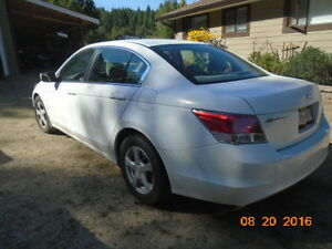 2010 Honda Accord Sedan SL, 4dr 5-speed manual