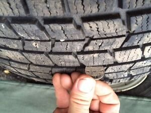 4 pneu et jante dunlop hiver 215-65 r 16