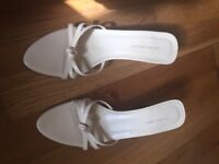 Laura Ashley ladies sandal SIZE 4/37