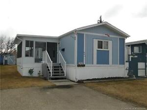 PRICE REDUCED TO SELL ! Original owners selling mobile....