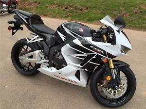 2016 Honda CBR 600RR **SAVE $500 + 1.9% FINANCING**