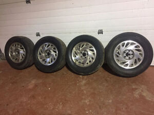 """Michelin x-radial M/S 215/70R/15"""" tires"""