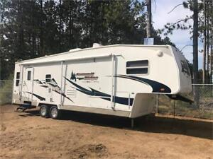 2006 29' SUMMIT RIDGE 5TH FIFTH WHEEL WITH SLIDE - IMMACULATE