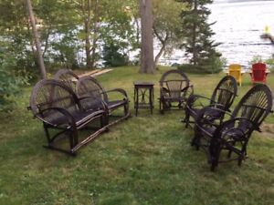 Beautiful Wicker Furniture - 1 Couch, 3 Chairs, 1 Table