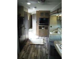 2017 Puma 39BHT 2 bedroom Park model Trailer - 3 power slideouts Stratford Kitchener Area image 9