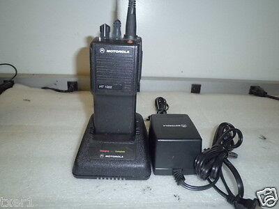 Motorola Ht 1000 H01sdc9aa3dn W Ntn1171a Charging Dock