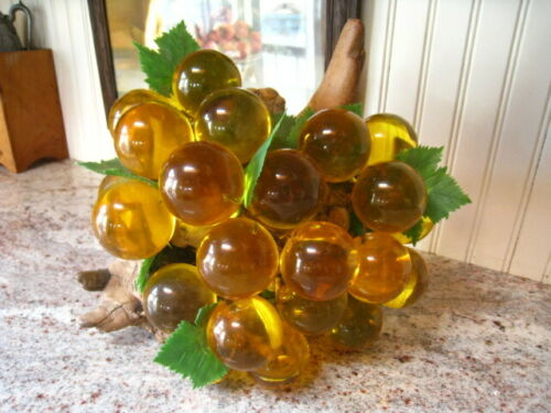 Vintage Decorative Grape Cluster, Mid Century, Glass, Lucite, Acrylic, Driftwood