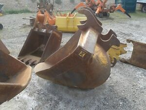 CWS EX120 Hitachi v-bucket. used but good condition 250-573-5733