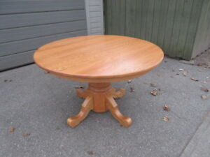 "48"" ROUND OAK PEDESTAL TABLE WITH 2 LEAVES"