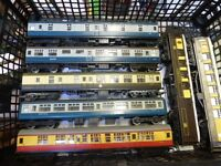 HORNBY MODEL RAILWAY COACHES X 7