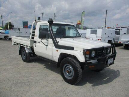 2006 Toyota Landcruiser White Manual Cab Chassis Pakenham Cardinia Area Preview