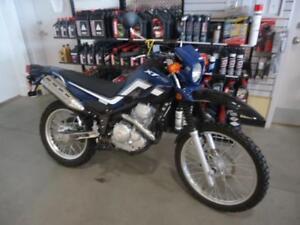 Yamaha xt250 2016 avec bas millage