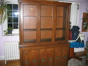 Solid Wood Buffet-Hutch with Light