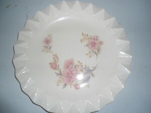 serving dish  or sweets tray -  round -  fluted edges