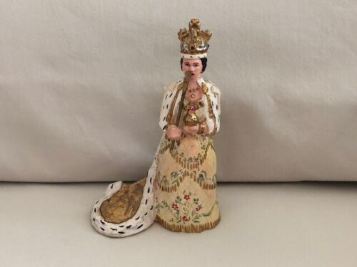 Vintage Queen of England Chalkware Plaster Figurine Ornate Queen Elizabeth