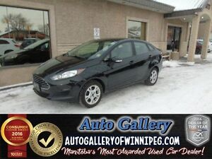 2015 Ford Fiesta SE*Roof/Low kms