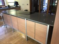 Kichen Island with granite worktop, cooker, hob and extractor fan