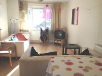 Lovely 3 Bedroom Flat In Bethnal Green, Suitable for share, close to Station, E2.