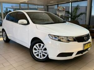 2011 Kia Cerato TD MY12 SI White 6 Speed Sports Automatic Hatchback