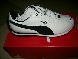 Women's Black & White Pumas