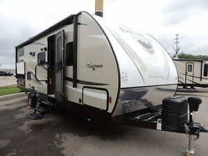 2017 Coachmen Freedom Express 257 BHDS Bunkhouse Travel Trailer