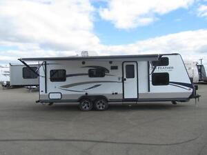 2015 27 FT JAYCO JAY FEATHER ULTRA LITE X254 LITE TRAVEL TRAILER