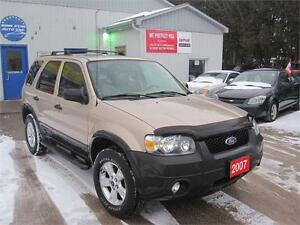 2007 Ford Escape XLT|NO ACCIDENTS| NO RUST| 4X4|LEATHER |SUNROOF