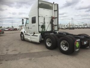 2017 International ProStar +122 ES, Used Sleeper Tractor