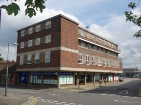 KENILWORTH 2 Bedroom furnished second floor apartment with lift in the town centre
