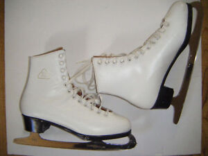 Ladies size 7 Skates for sale