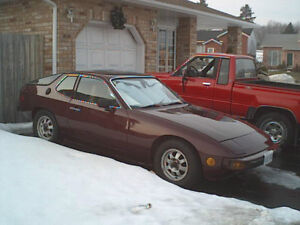 1977 Porsche 924 Coupe (2 door)