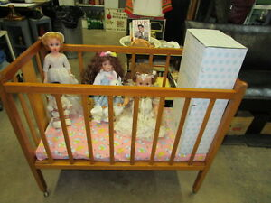 1940s50s wooden infant baby crib gorgeous on wheels