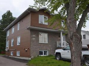 2719-2725 Vaudreuil, Jonquière Quadruplex Saguenay Saguenay-Lac-Saint-Jean image 3