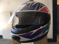 KIWI K21 GR.1600 MOTORBIKE HELMET SIZE 58 Great condition with bag.