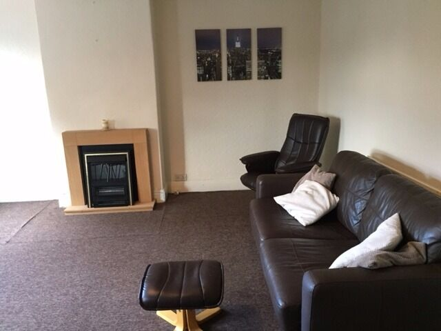 ONE BEDROOM, PART FURNISHED FLAT TO LET TIMPERLEY..