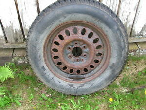 spare tire and rim from and 2004 GMC envoy P245/65r17