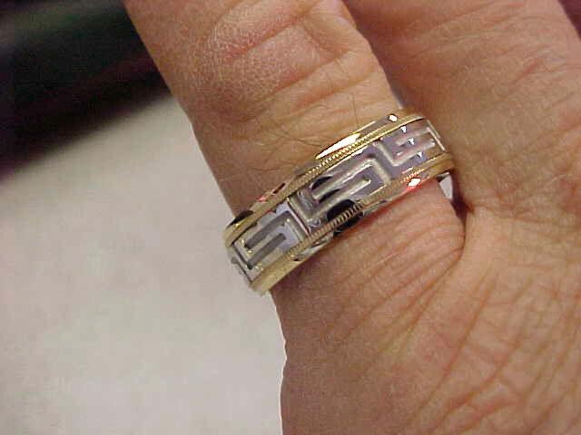 Simal 14k White & Yellow Gold Greek Key Band Ring Size 8  Metal Spins   Mint!
