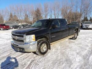 2010 Chevrolet Silverado Crew Cab 4x4 6.0L 8 ft box very clean