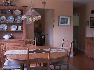 3 Bdrm Country Home with Mountain Views, Barn + 8 acres land West Island Greater Montréal image 4