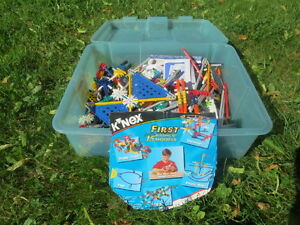 Tub of K'nex building toy for sale