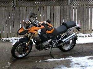 BMW R1200GS Motorcycle - Ready to Go!
