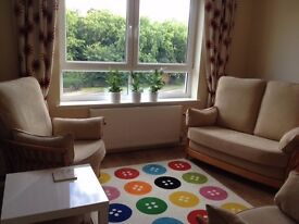 Fully Furnished 2 Bed plus 2 Bathroom Flat to Let: Livingston Centre