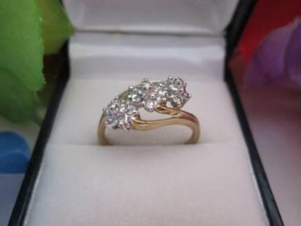 Gorgeous 9 Carat Gold And Diamond Cluster Ring.