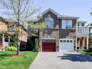 3 + 1 Bed Semi-Detached Home in Mississauga