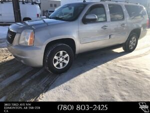 2007 GMC Yukon XL SLT 8 Passenger, Fully Loaded, 4WD !