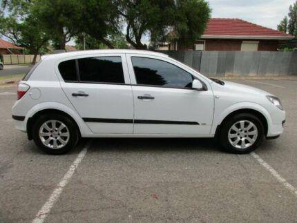 2007 Holden Astra AH MY07 CD 5 Speed Manual Hatchback Greenacres Port Adelaide Area Preview