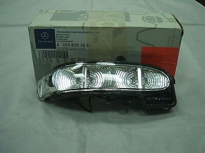 Genuine Mercedes-Benz W211 E-Class RH Mirror Repeater Indicator Lamp A2038201421