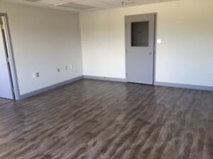 High Traffic Area - Office Space Available - FREE RENT