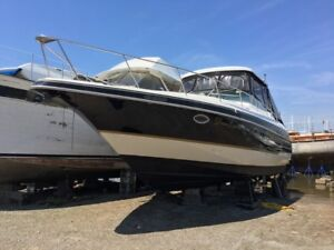 Yacht: 1997 Cruisers Power Boat 35.75 (Diesel)