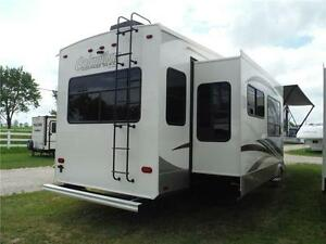 2017 Compass 377MB Luxury 2 bedroom 5th wheel - 4 slideouts Stratford Kitchener Area image 3